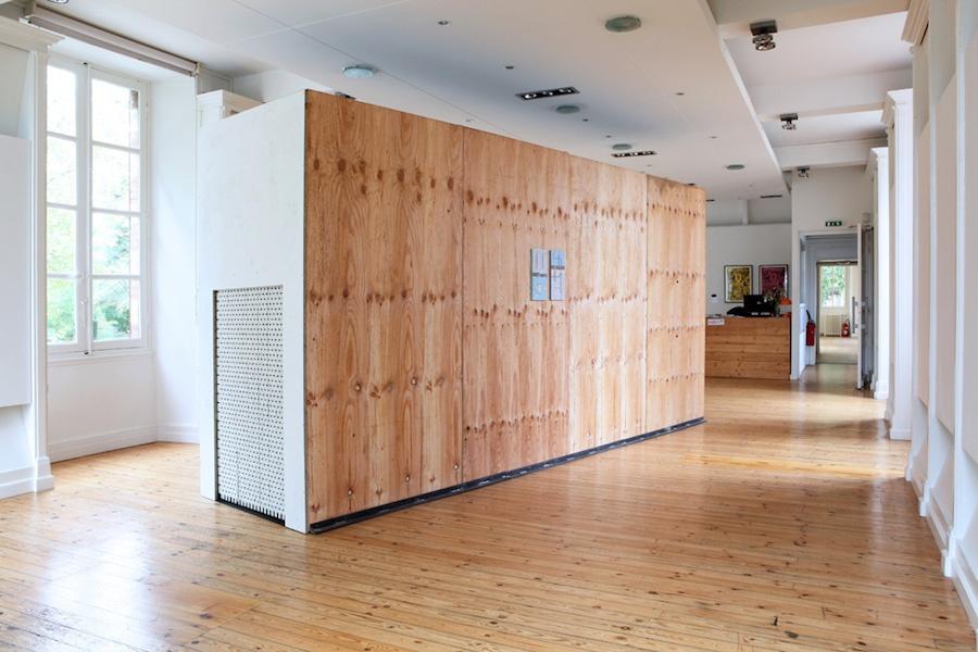 Alan Schmalz, Trahir le réel (à vos intentions), bande son en collaboration avec Rémi Briquet, 2019, centre d'art Le Lait, Albi, photo Phœbé Meyer