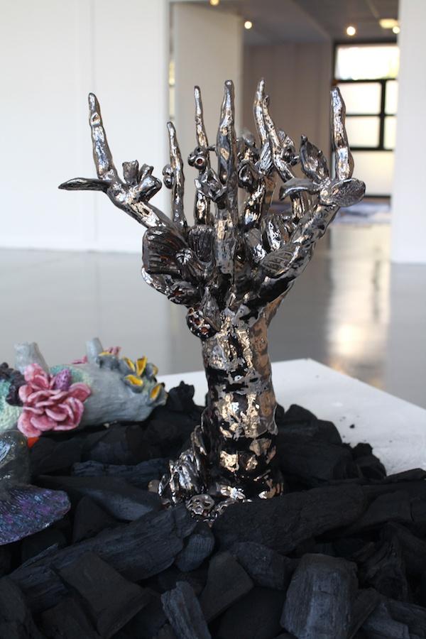 Céline Tuloup, vue de l'exposition Pythie. Arbre argent