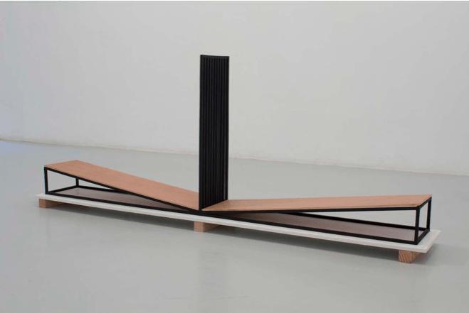 Jérôme Grivel Attraction / dépression (maquette 1:4), 2015 Contreplaqué, bois peint 156 x 29 x 60 cm
