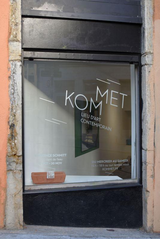 Vue d'exposition TOUT VIENT DE L'EAU de l'artiste Florence Schmitt  à KOMMET – Lieu d'art contemporain (Lyon) Photo Lucas Zambon