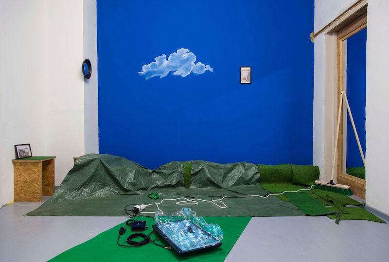 Vue d'exposition THROUGH THE WINDOWS. Photo et courtesy artistes