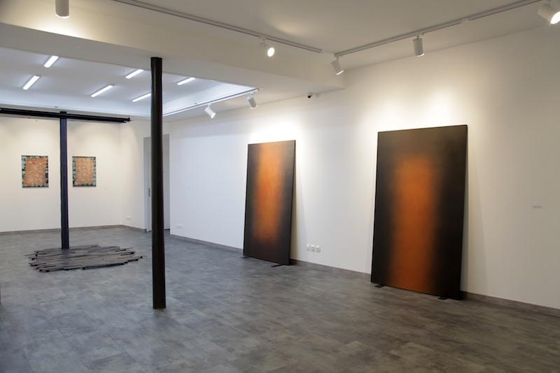 """Vue de l'exposition de l'artiste Raphaël Barrois """"Le souvenir est dans le futur"""" du 29 novembre 2019 au 15 janvier 2020, AMAC Projects Paris."""