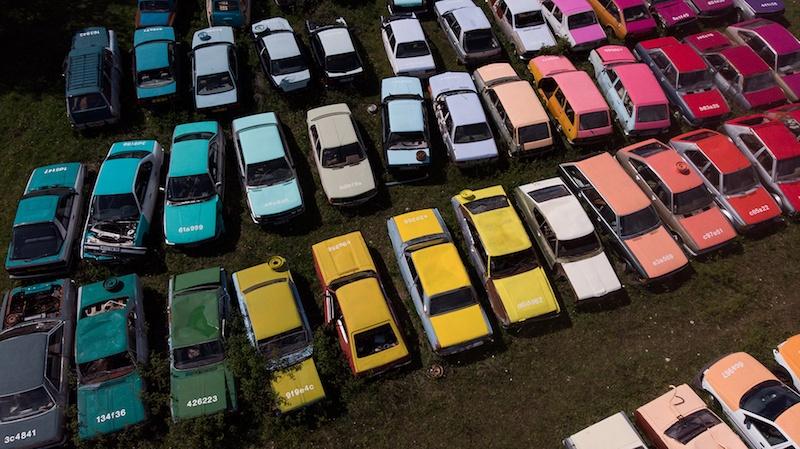 Zoer, Solara (detail), 2019, acrylique sur 144 automobiles, France © Zoer / courtesy zoerism studio