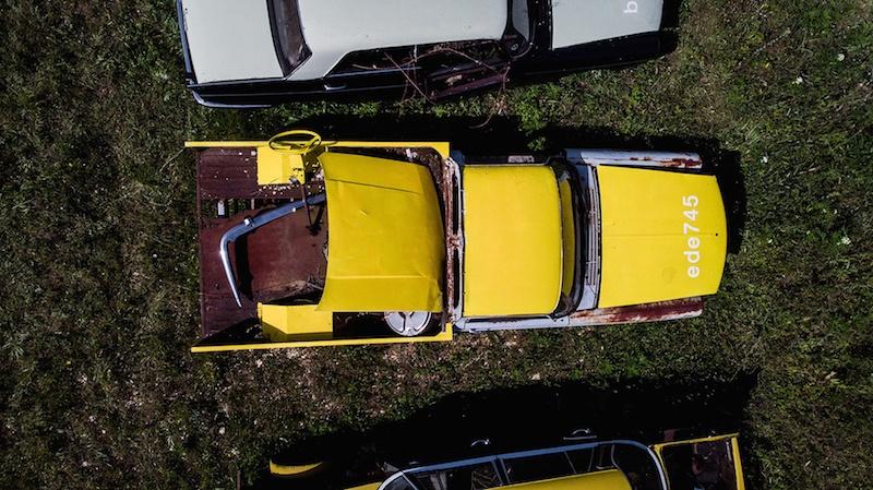 Zoer, Solara -  404 pick up Yellow  .     ede745, 2019, acrylique sur carrosserie, France © WTF / courtesy zoerism studio