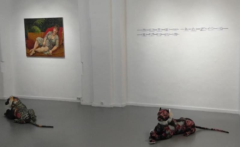 """Vue d'exposition """"café AVARICE AND GENEROSITY"""" présentant la jeune scène azérie du 23 novembre au 22 février 2020, Galerie Dix9, Paris"""
