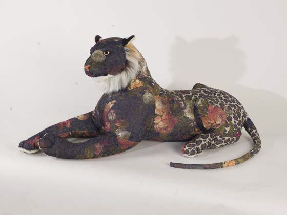 Farhad Farzaliyev, Untitled #1, 2015 serie I Am Your Only Tiger Tissu, rembourrage en polyester et mousse 110 x 30 x 44 cm  Pièce unique