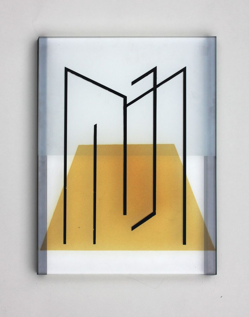 Pia Rondé & Fabien Saleil, Image tranchante MF #02, 2019, glass, silver yellow, muslin, greyness, steel, 40x30cm, Courtesy des artistes et de la Galerie Valeria Cetraro