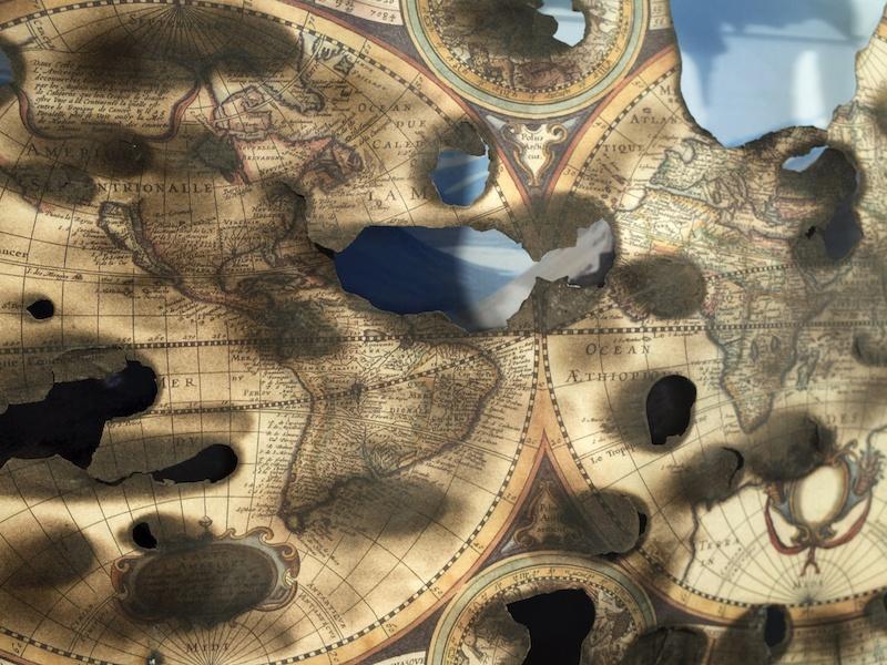 Jean-Baptiste Grangier, Ici sont les terres australes inconnues, 2019, impression capture d'écran google streetview, reproduction numérotée du nova totius terrarum orbis geographica ac hydrographica tabula, boîte en plexiglas – 60x40x6cm