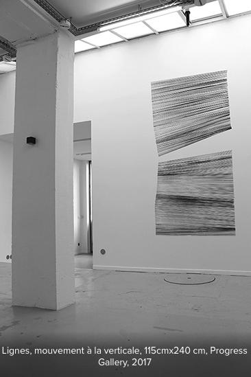Marta Budkiewicz, Lignes. Réalisation in situ, mouvement à la verticale. Progress Gallery Paris, juin-juillet 2017