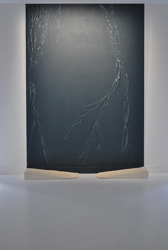 Mathilde Caylou, Bassin versant, 2020 Verre filé, béton, 135 x 40 x 250 cm
