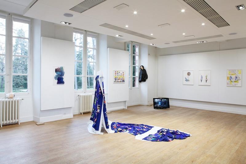 Vue de l'exposition Persona Everyware, (de gauche à droite) Guillaume Constantin, Anouk Kruithof, Inrgid Luche, Eleni Kamma, centre d'art Le Lait, 2020, photo Phœbé Meyer