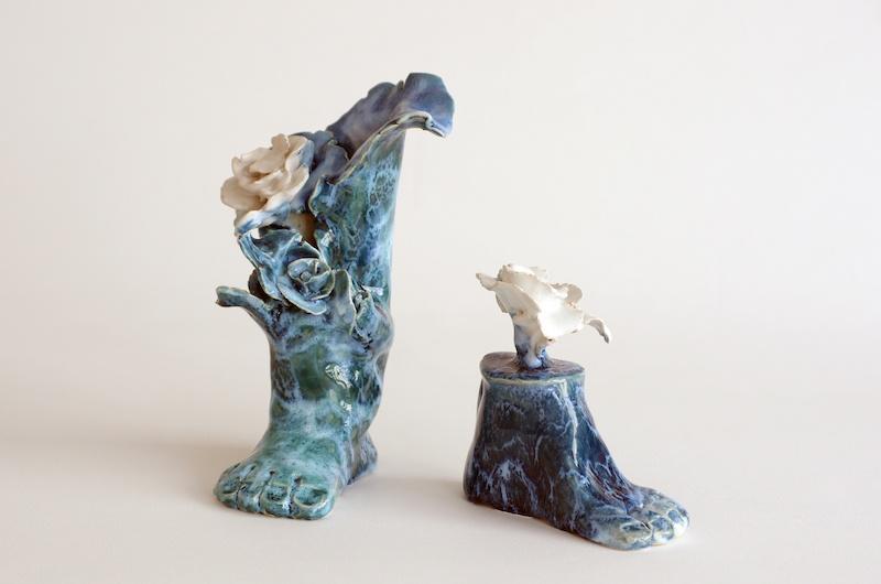 Hélène Loussier, Pieds bleus, 2019. Courtesy Hélène Loussier