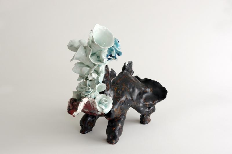 Hélène Loussier, Belles paroles, 2018. 42 x 42 x 30 cm
