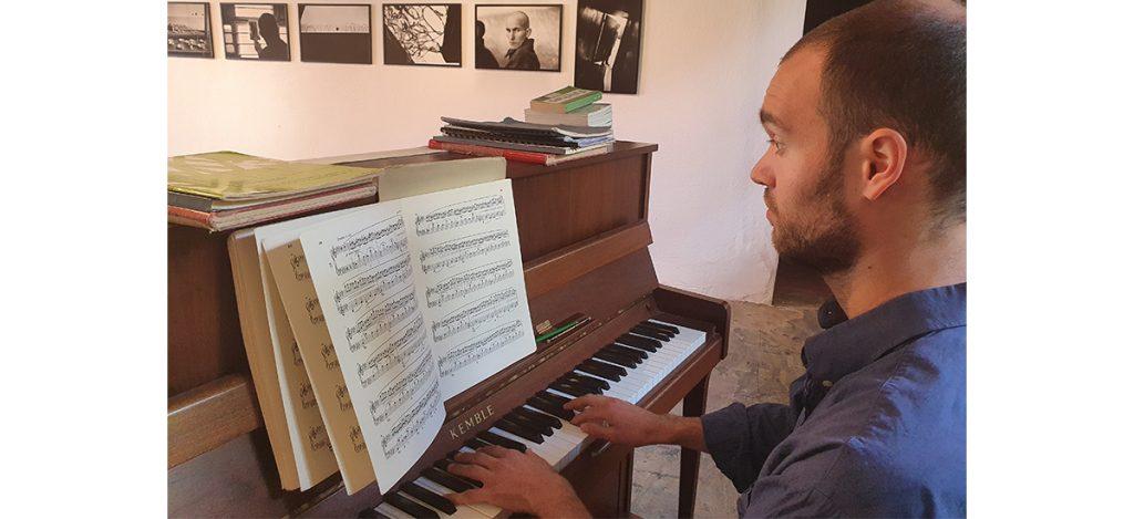 Performance « À l'étude » de Nikias Imhoof