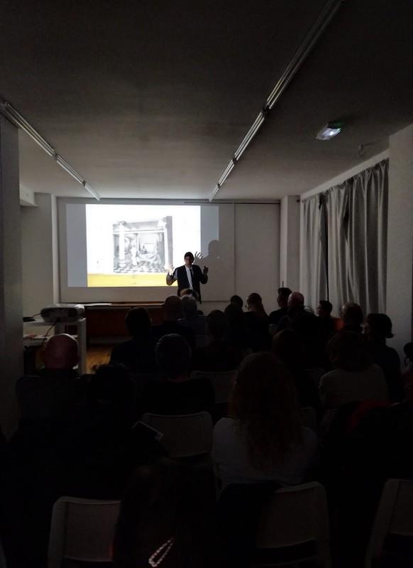 Vue de la conférence performative de Miquel Mont, «Traces distancées», L'ahah #Griset, mardi 29 octobre 2019 © photo: L'ahah, Paris