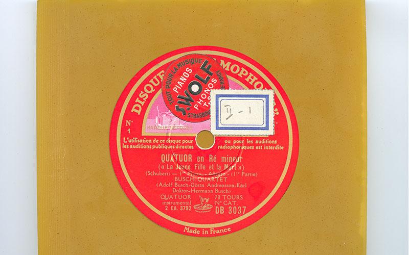 © Michel Aubry Quatuor en ré mineur (La jeune fille et la mort) Schubert, Busch Quartet cire et étiquette de disque 78 tours, 12,5 x 14,5 cm, 1990