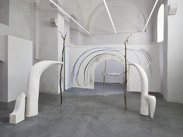 vue d'exposition Animal à fenêtre de Io Burgard Les Capucins centre d'art contemporain ville d'Embrun ©️f.deladerriere