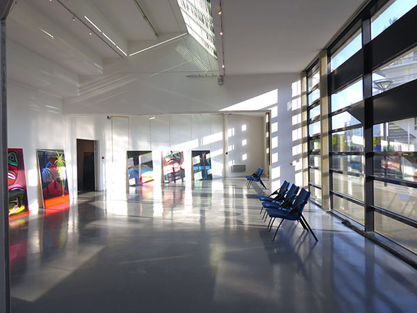 Vue d'exposition, Face aux rives…, Anne Guillotel - Conservatoire des Arts, Montigny-le-Bretonneux