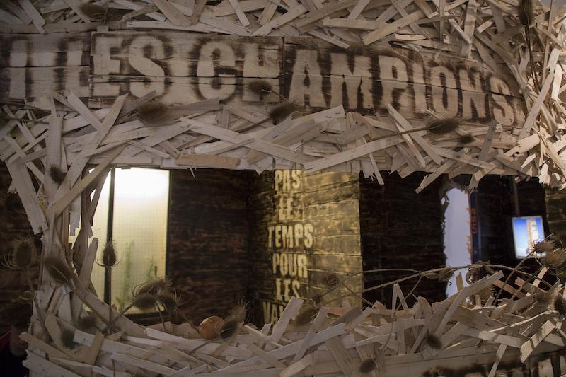 EN DIRECT / Exposition LE SOLEIL BRILLE ENTRE LES PAROIS AMOVIBLES Collectif WALC (Wolf Cuyvers - Alethia Lecoq) Dijon septembre 2020.