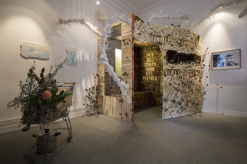Exposition LE SOLEIL BRILLE ENTRE LES PAROIS AMOVIBLES Collectif WALC (Wolf Cuyvers - Alethia Lecoq) Dijon septembre 2020