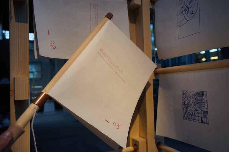 La maison de papier, Le salon de lecture, exposition Les Glacières, Bordeaux, 2019. © Charlie Chine