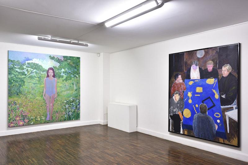 Marcella Barceló (à gauche)  - Vue de l'exposition Un monde à votre image, Bourse Révélations Emerige 2020, commissariat Gaël Charbau, Villa Emerige © Rebecca Fanuele