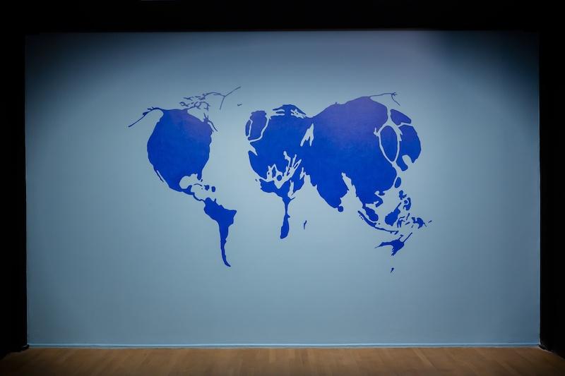 Christiane Geoffroy, La dérive des continents, 2010. Vue d'exposition « Courants Verts, Créer pour l'environnement », du 16 septembre au 31 janvier 2021, espace Fondation EDF Paris - Commissariat Paul Ardenne
