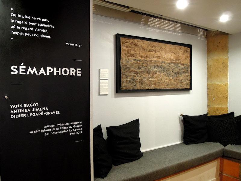 vue de l'exposition Sémaphore avec les travaux de Yann Bagot,  Antinea Jimena, Didier Legaré-Gravel, project space de la maison artéfact Paris