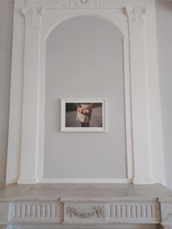 Vue de l'exposition S'en aller chercher » de Géraldine Lay réalisée dans le cadre de sa résidence de création au Centre d'art Caza d'Oro Le Mas d'Azil Photo Pauline Chaboussou