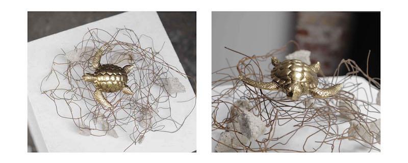 Lucie Linder, « Tôt ou tard » Grillage, plâtre, tortue, 2020
