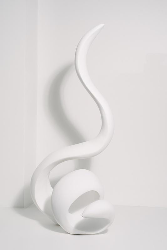 India Leire, The Dancer (2019) Métal, Plâtre. 93 x 45 x 40 cm