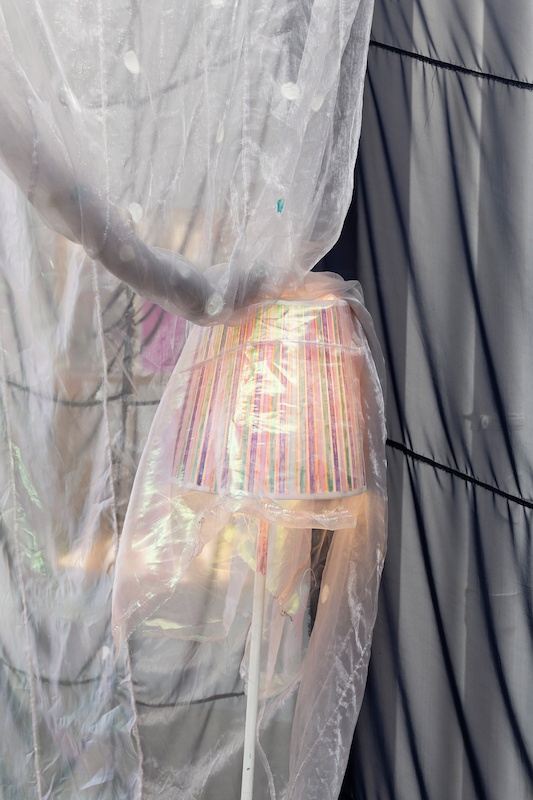Anne Bourse, Different times, different Paul, Vue d'exposition, Galerie Crèvecoeur, 2021. Courtoisie de la galerie Crèvecoeur, Paris. Photo : Aurélien Mole