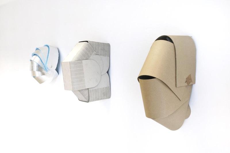 Manon Pretto, Masque de protection #2, #3, #4, 2018 sculptures, masques de protection, carton, coupes au laser, 50x30cm - 60x30cm - 50x30cm