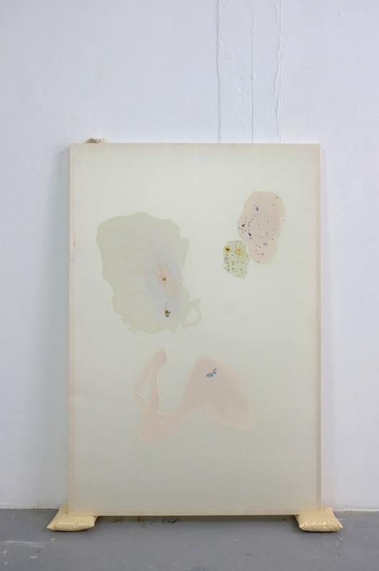 Lucie Férézou, Maladie d'amour (2020) - Vue exposition Fleur bleue - Atelier W Pantin - Photo Arthur Molines