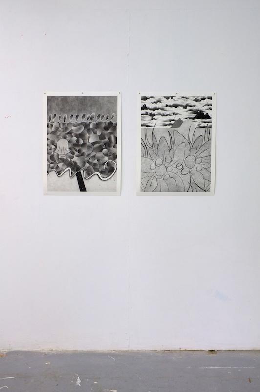 Louise Aleksiejew, Baigneuse et Randonneuse (2020) - Vue exposition Fleur bleue - Atelier W Pantin - Photo Arthur Molines