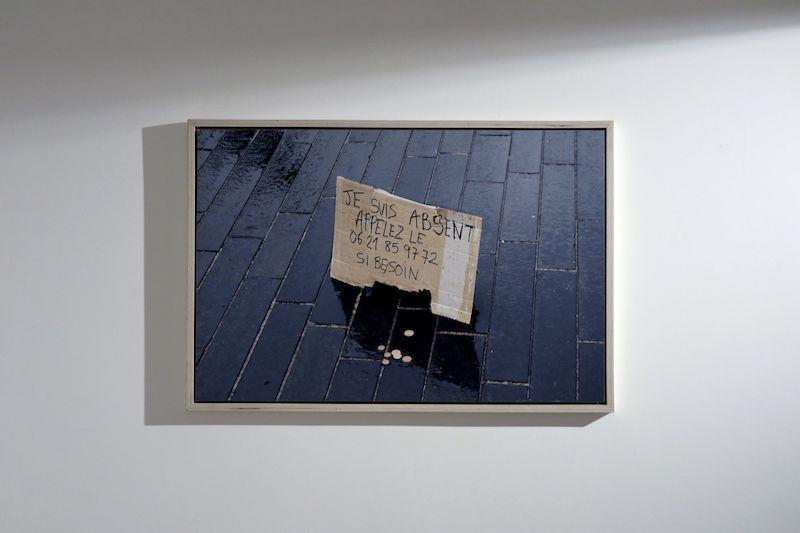 vue de l'exposition, OFFICE, Laurent Lacotte, 2020, tirage pigmentaire contrecollé sur dibon, 120 x 80 cm, encadrement bois.