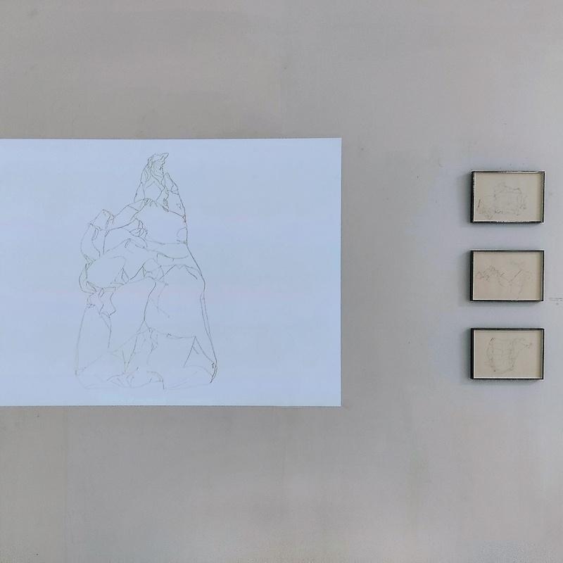 Honky-Tonk-Fields_Benoit-Blanchard_505-25-cm2_vue-de-l-installation_serie-de-22-dessins_mine-de-plomb-sur-papier_2011__credit-photo-TENDERFLUID