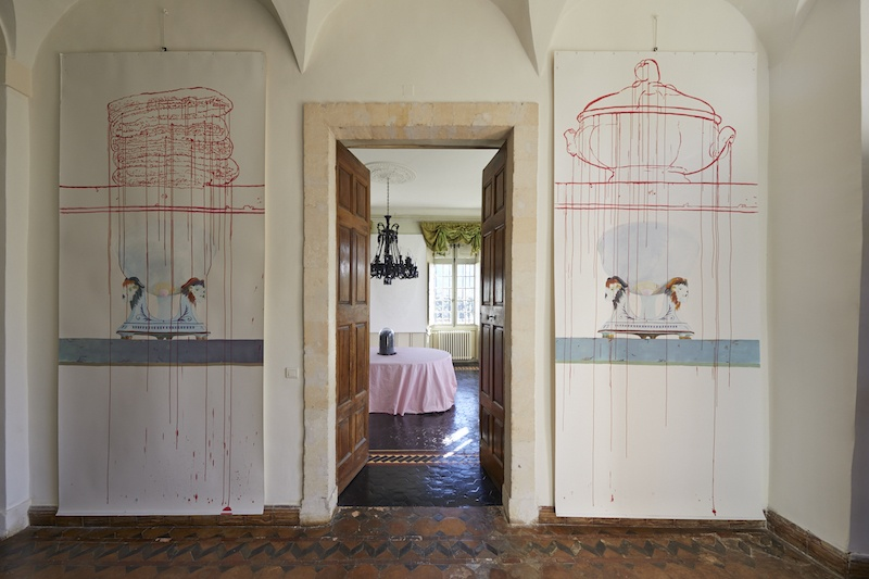 Vue de l'exposition Détournements et contournements de Ghislaine Portalis, Hôtel de Tingry, Ménerbe - Crédit photo : Kamila Régent