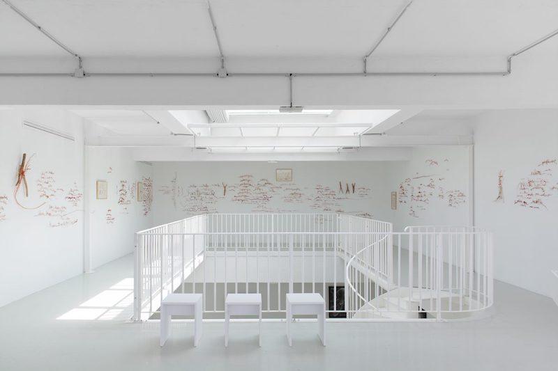 Vue Silo exposition monographique de Myriam Mihindou, Centre d'art contemporain Transpalette, Bourges Photo Margot Montigny