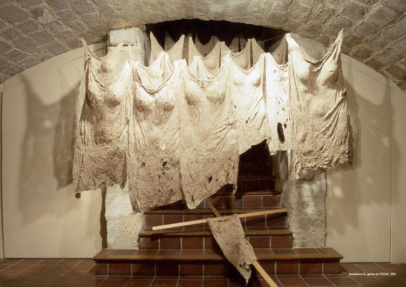 Sanglan Kim, Magie blanche-52001. Papier mûrier-hanji, Installation 200 x 300 x 300cm