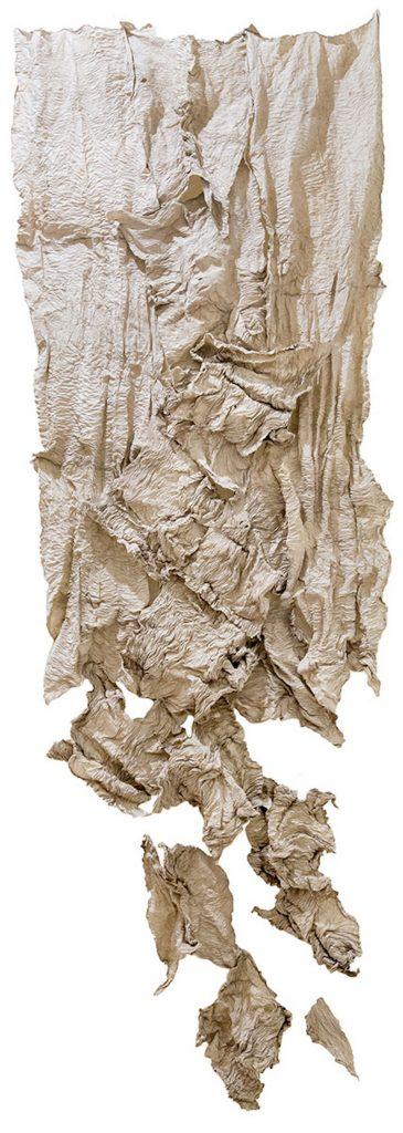Sanglan Kim, Magie blanche, Autoportrait 2015. Papier mûrier-hanji, 390 x 120cm